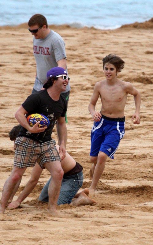 Justin Bieber 14. Justin Bieber Shirtless 7