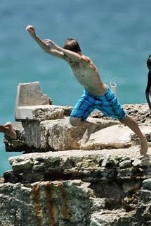August-19th-At-The-Beach-In-Barbados-justin-bieber-14874473-268-399